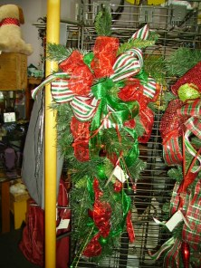 Red & green Christmas wreath_product
